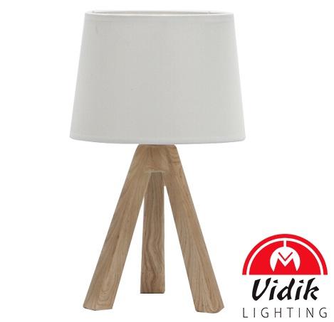 namizna-svetilka-iz-lesa-s-tekstilnim-senčnikom