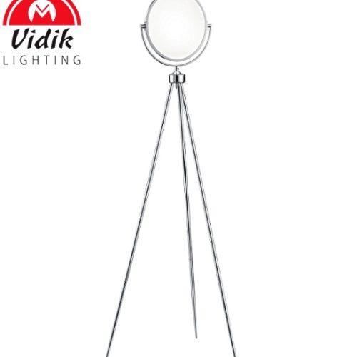 stoječe-kozmetično-ogledalo-in-led-svetilka-v-enem
