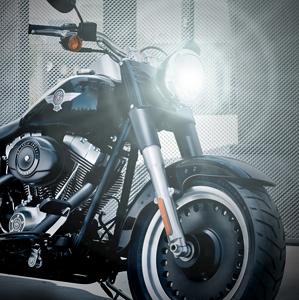 LED SIJALKA ZA MOTOCIKLE IN SKUTERJE KRATKI-DOLGI SNOP 10/15W 1000/1500 Lm CREE CHIP